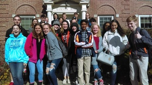 Students Visit Honors College at UMO